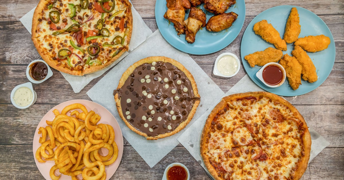 Caprinos Pizza Delivery From Aylesbury Order With Deliveroo